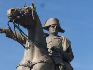 Détail de la statue de Napoléon Ier à Montereau-Fault-Yonne