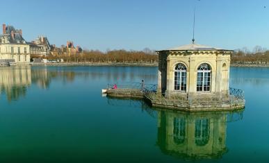 Le pavillon de l'étang au château de Fontainebleau