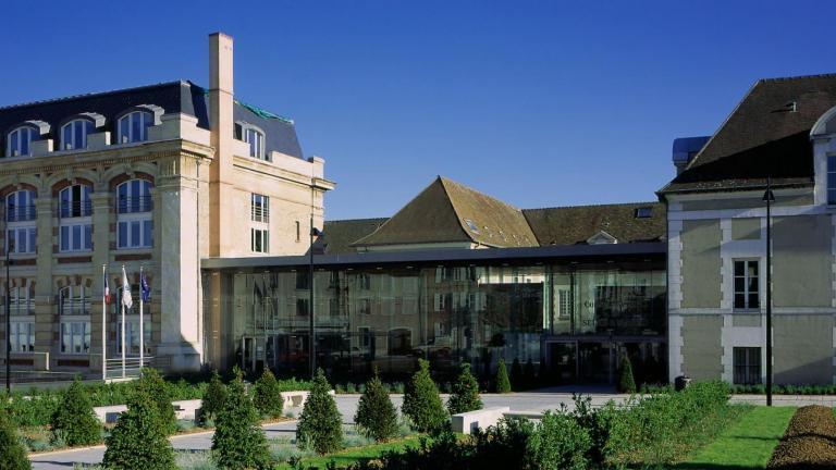 Façade du Conseil départemental de Seine-et-Marne