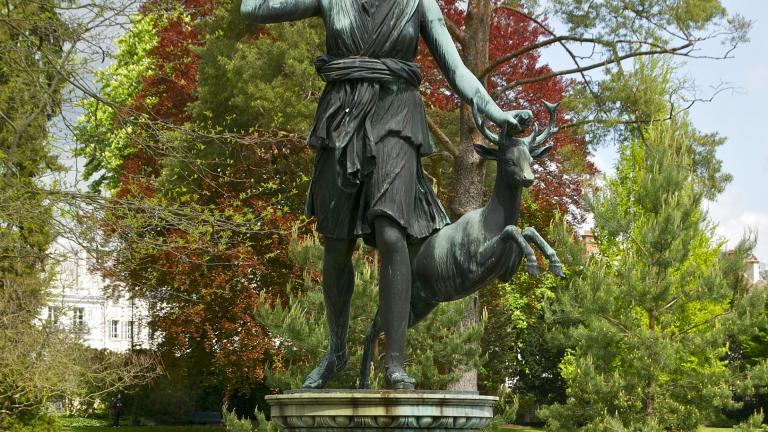 Statue of Diane at the Château de Fontainebleau